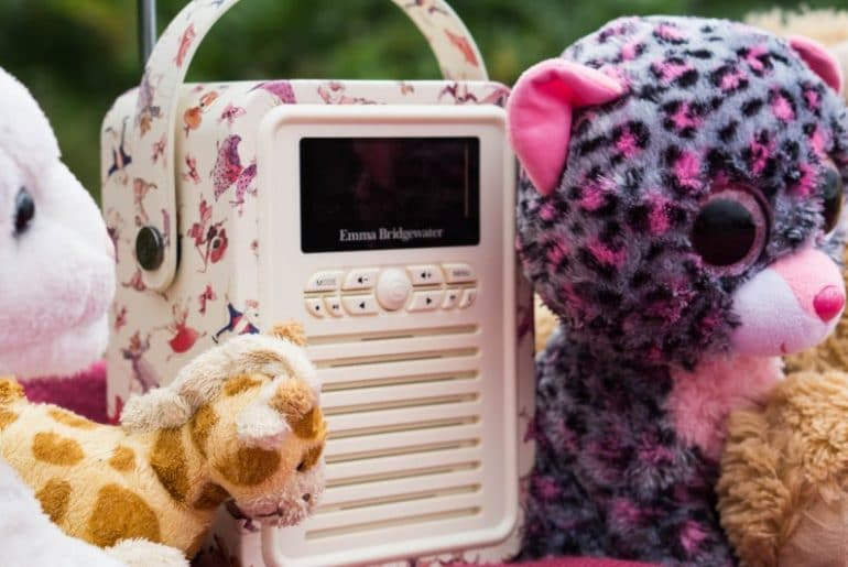 Retro Mini VQ Radio with dancing mince. This cute little radio is perfect for kids, with DAB and FM stations and a cute dancing mice girly pattern to suit any little girls room.